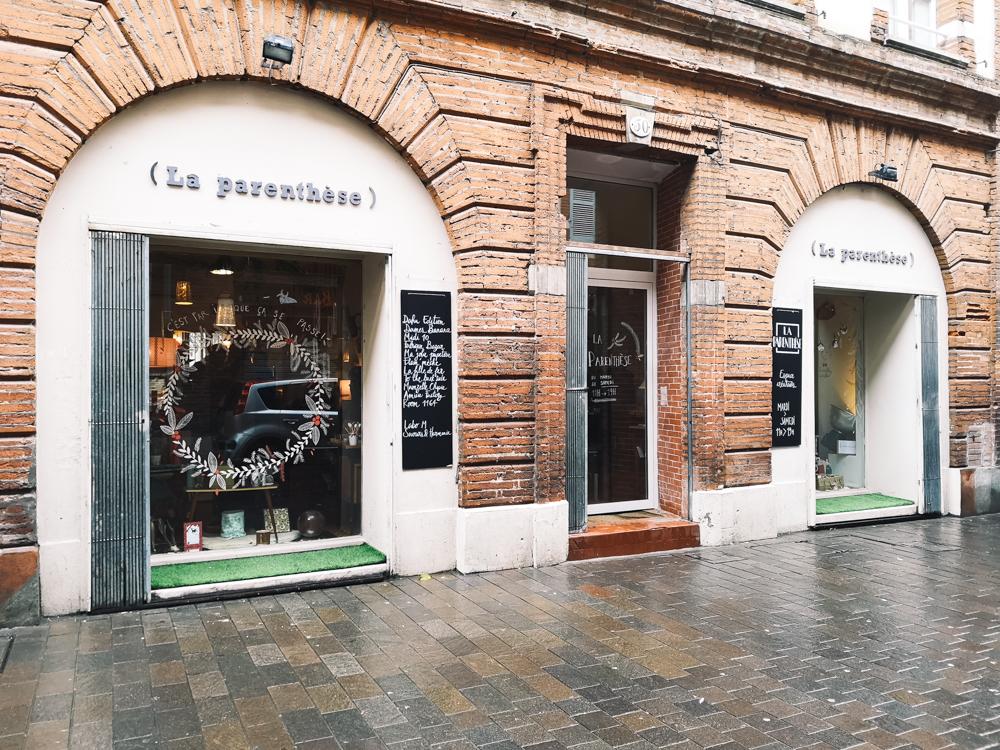 Devanture repérable de La Parenthèse, boutique de créateurs locaux, rue Pargaminière à Toulouse
