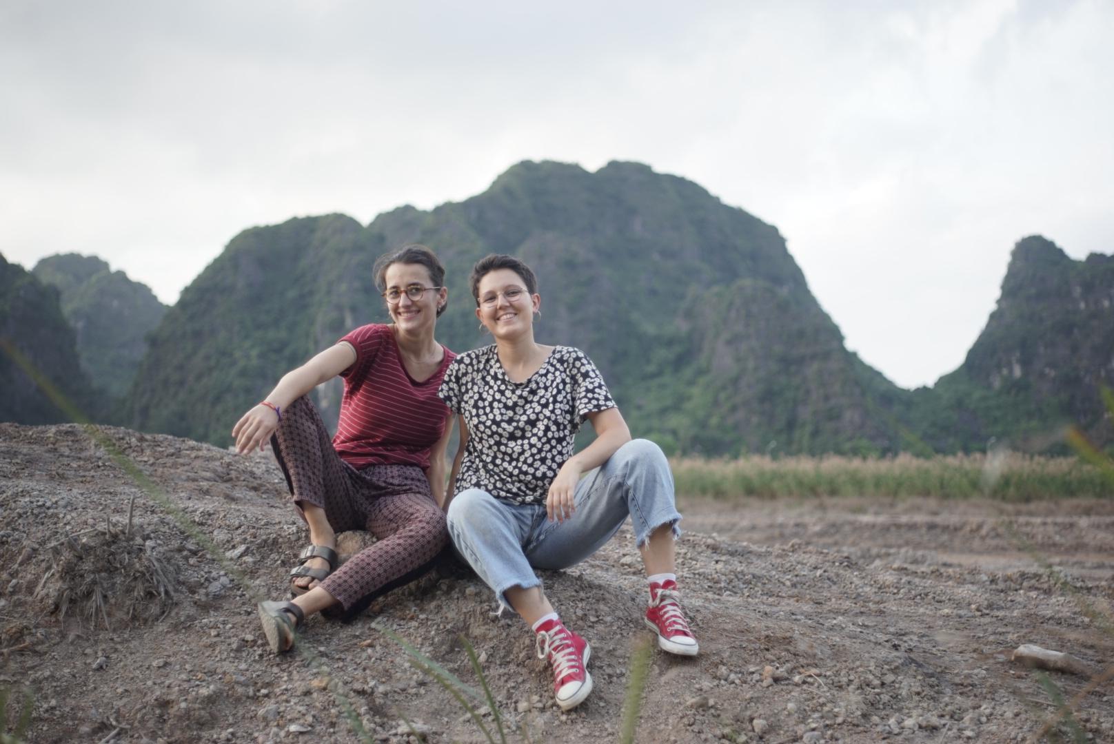 Chloé et Louna en tour du monde d'une mode éthique et responsable