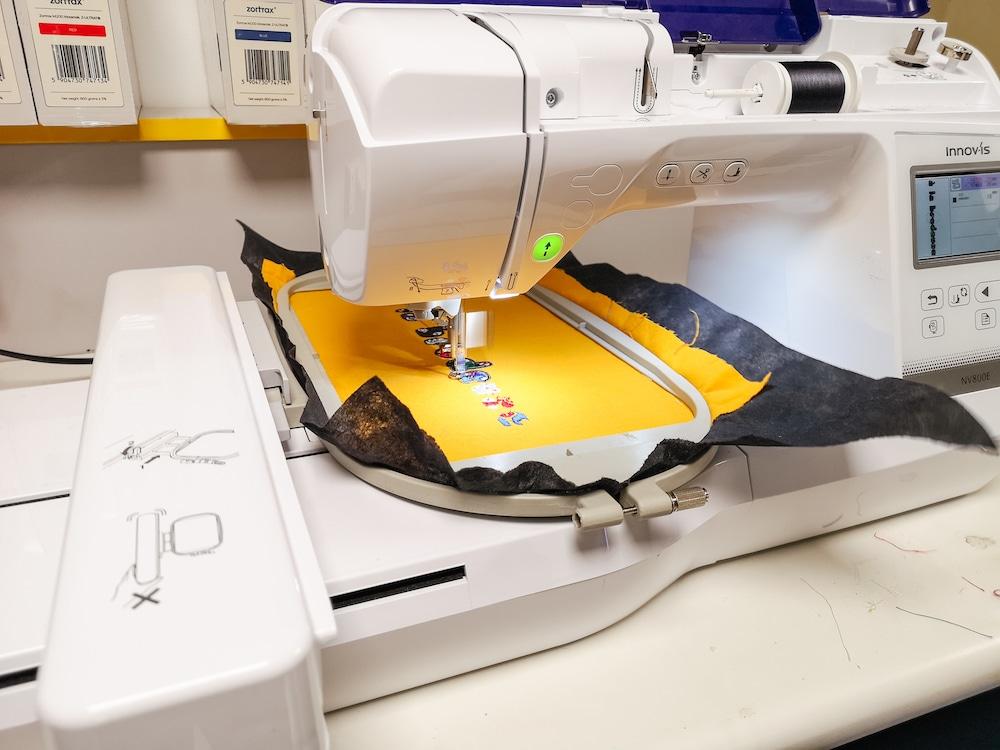 La brodeuse numérique qu'on peut essayer au Fabriquet, Laboratoire de Fabrication de Ramonville