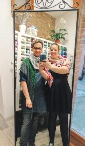 Audrey et Aldric on créé ensemble Nuage de Laine, ce salon de thé dédié à l'art du tricot et du crochet