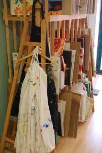 Au Bonobeaux Art, les participants aux ateliers peuvent laisser leurs travaux en-cours dans le local et le reprendre la fois suivante.