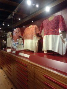 Les musées du tissage visités par Margot, En couture Simone, lors de son voyage en Amérique du Sud