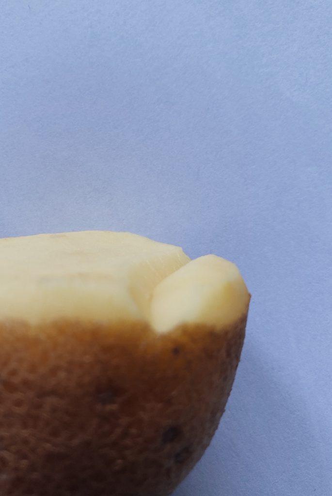 L'astuce pour creuser son tampon à la pomme de terre c'est de le faire de biais. merci Isabelle @motifsvalables