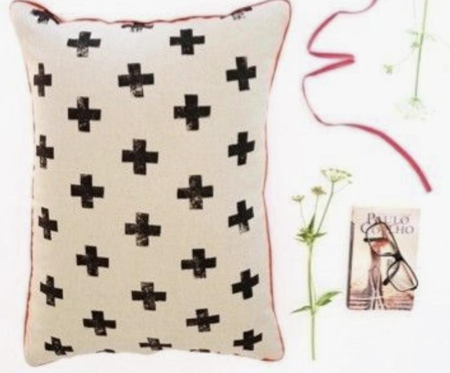 Utiliser son tissus imprimé avec une pomme de terre et de l'encre textile pour vos travaux de couture