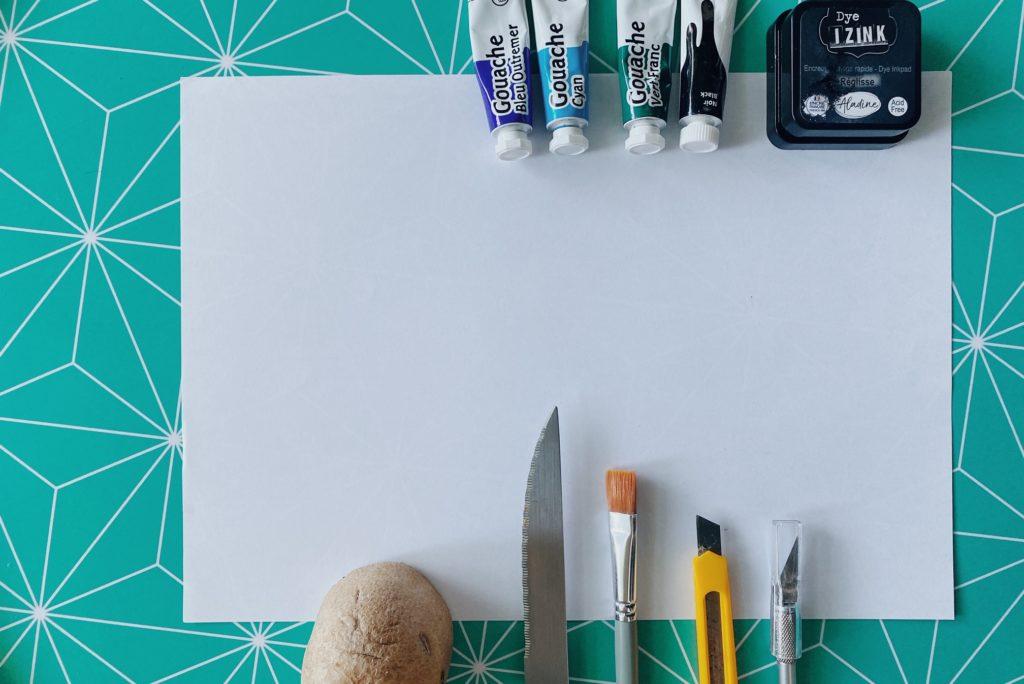 Préparer son matériel pour un atelier DIY patatogravure : un tampon avec de la pomme de terre