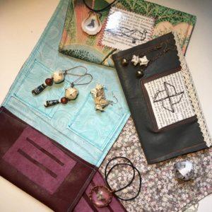 Les bijoux à partir de matériaux recyclés que crée Annabelle, créatrice de la marque La Nabelle à Toulouse