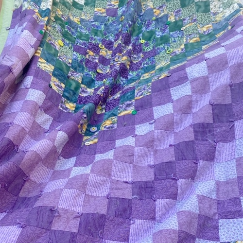 La couverture en patchwork réalisée par Ana @anamathe31 pour sa fille