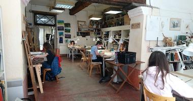 """La Scola, ou """"l'école"""", une association à Toulouse qui propose des cours de dessin et peinture, pour adultes et enfants"""