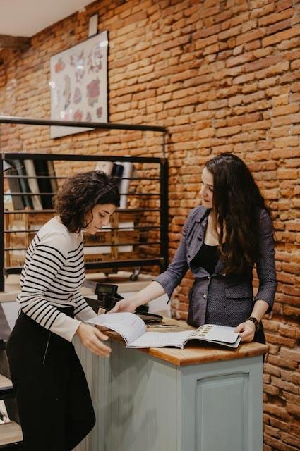 Claire et Julie, fondatrices de la boutique de tissus Les Marchandes à Toulouse #toulousecreative