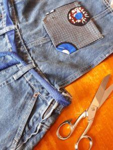 Quand le contemporain du wax redonne vie aux vieux jeans qu'utilisent Cotoune pour ses créations