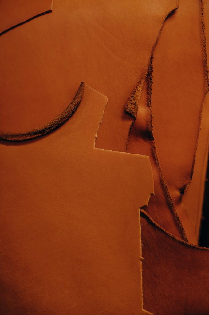 Le cuir : une matière noble et redécouverte lors des journées portes ouvertes des entreprises du cuir à Graulhet