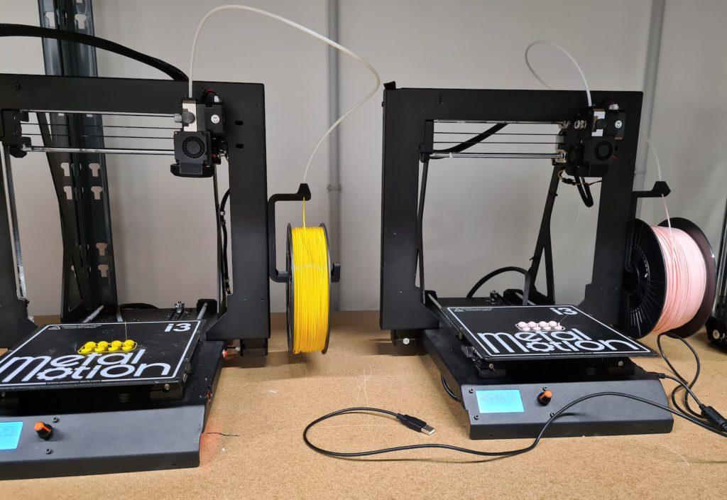 Les imprimantes 3D d'EmotionTech pour réaliser les boutons de la trousse
