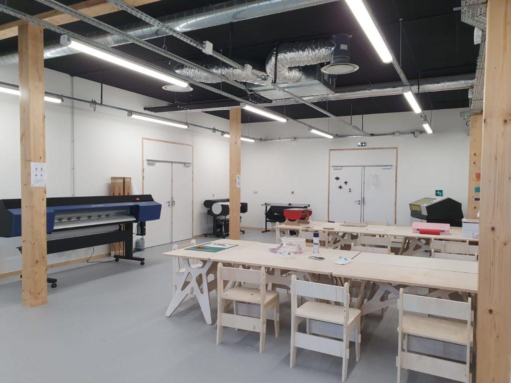 Le Medialab du Roselab, c'est le paradis pour tout maker qui souhaite fabriquer avec du papier ! Pas facile de faire un choix....
