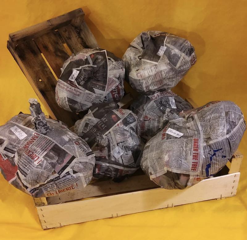 Amorce d'une création en papier maché à La Patouille Toulouse