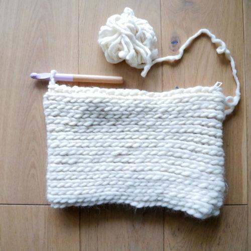 Fin housse coussin crochet