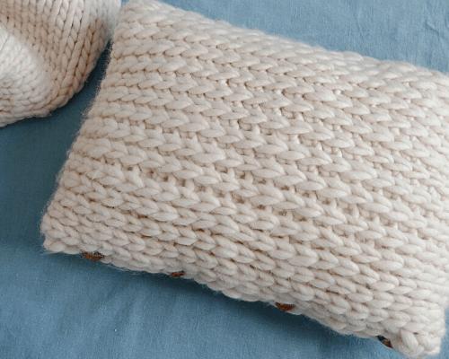 Coussin au crochet façon tricot
