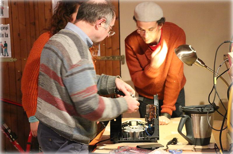 Les cafés bricol' pour vous aider à réparer vos objets et appareils