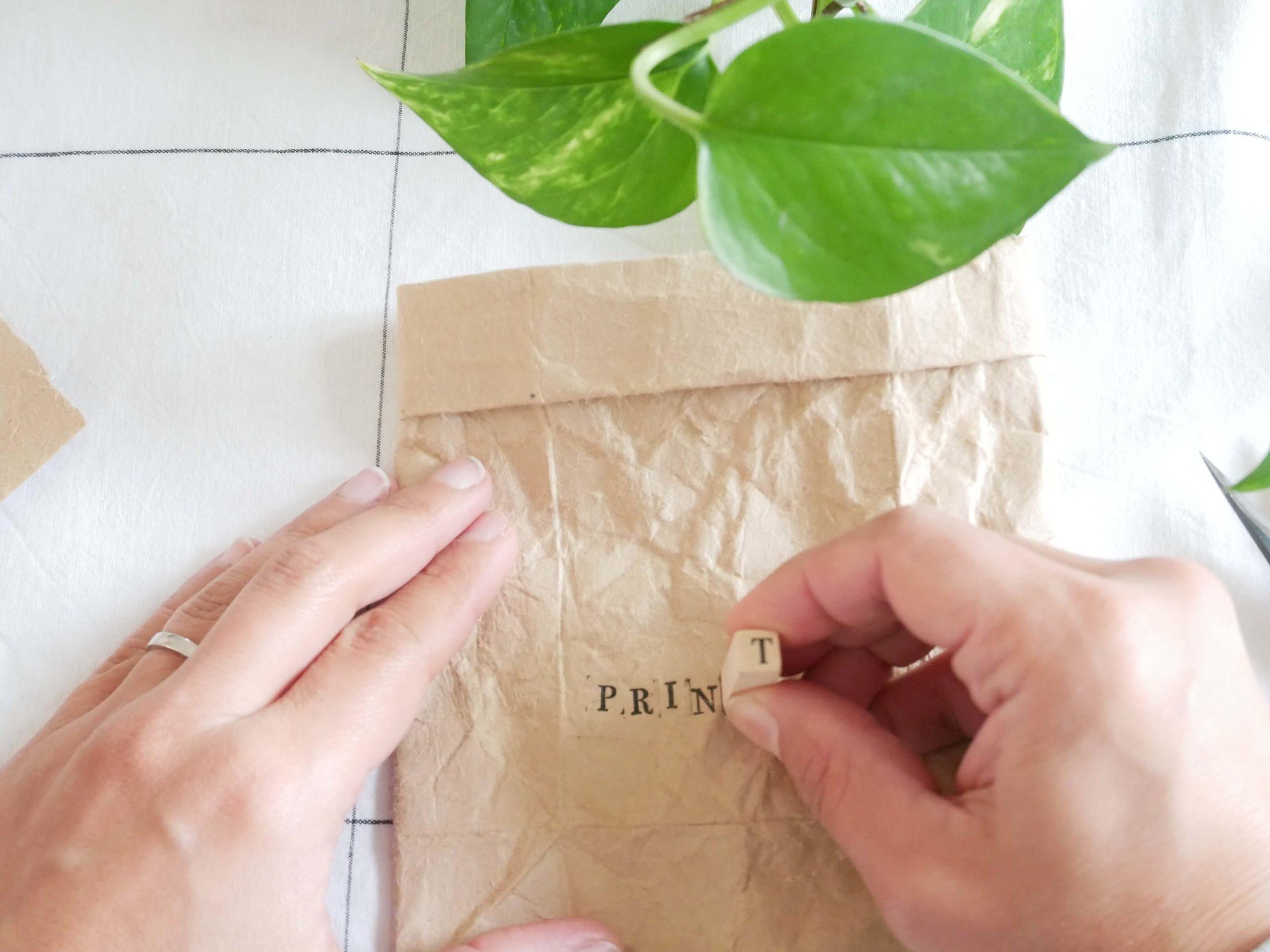 tutoriel-recyclage-vase-tampon2-lesateliersdangelique-auboulotcocotte