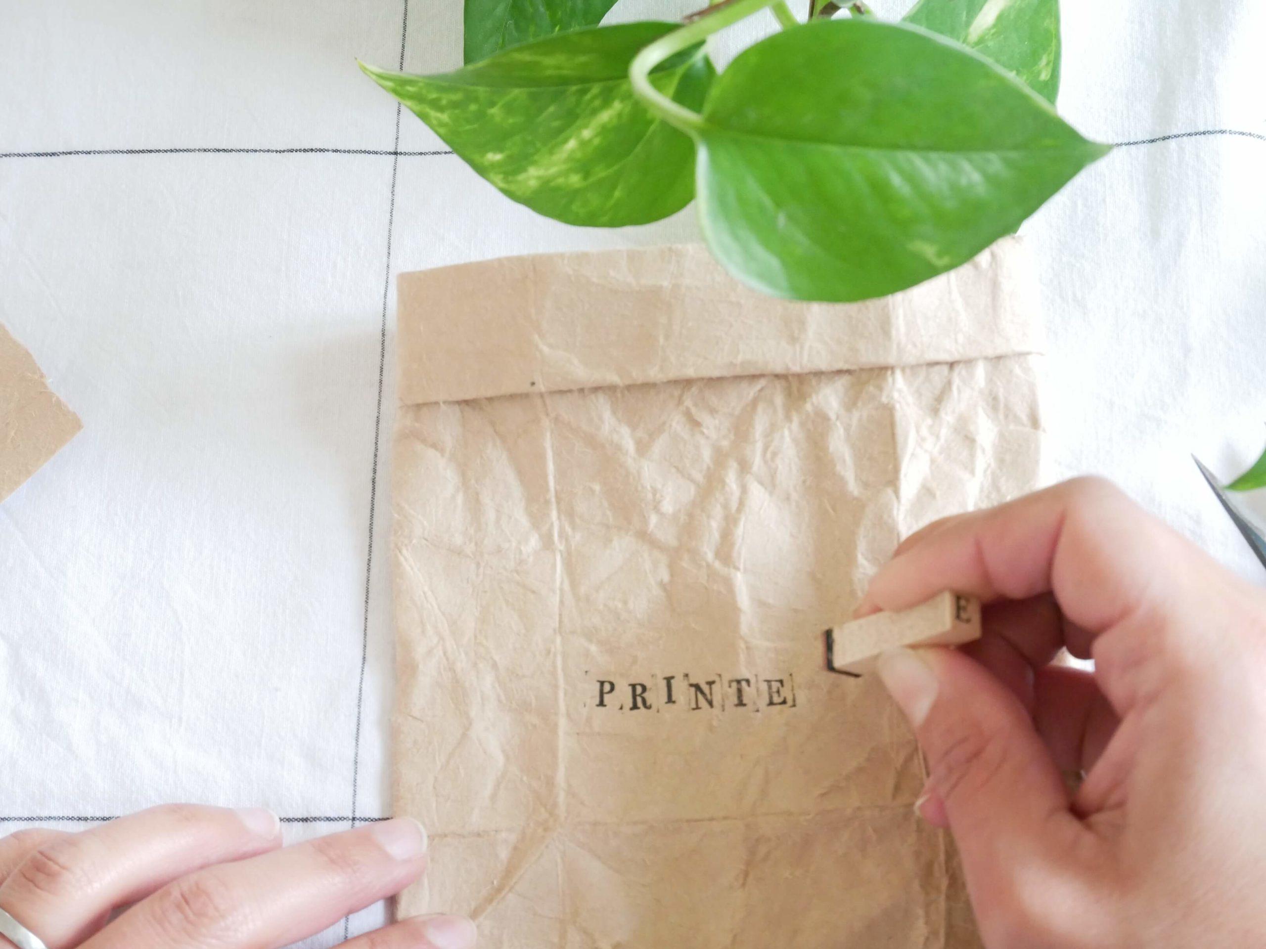 tutoriel-recyclage-vase-tampon3-lesateliersdangelique-auboulotcocotte