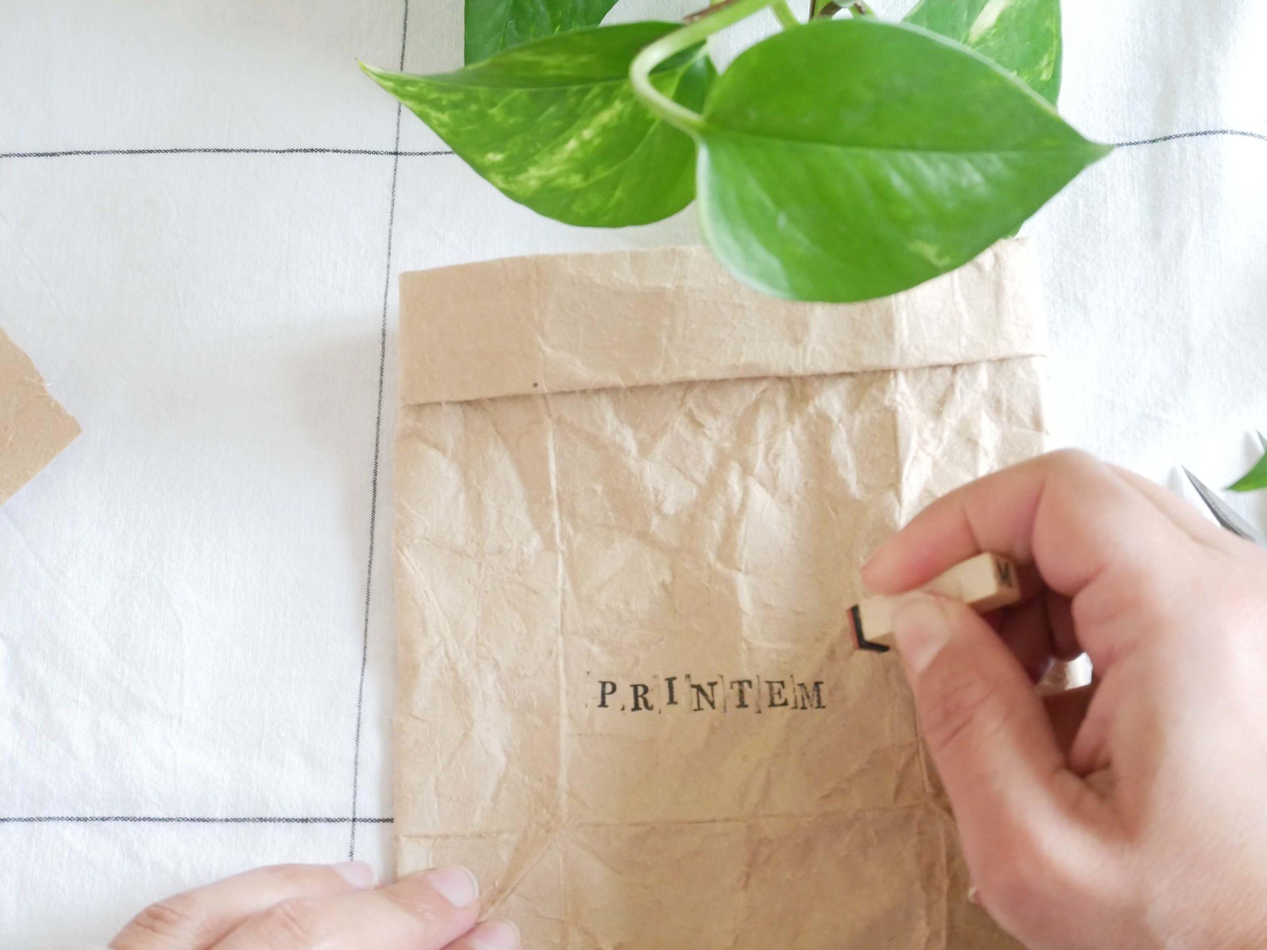 tutoriel-recyclage-vase-tampon4-lesateliersdangelique-auboulotcocotte