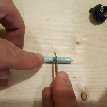 Etape 1 denuder fils lampe bois